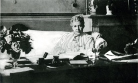 Annie_Besant_at_desk